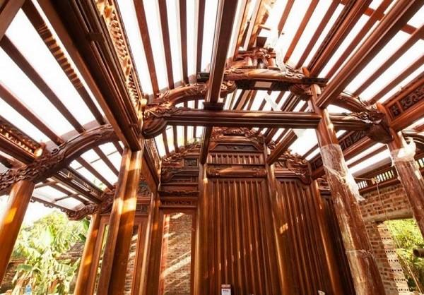 Nhà làm bằng gỗ sến