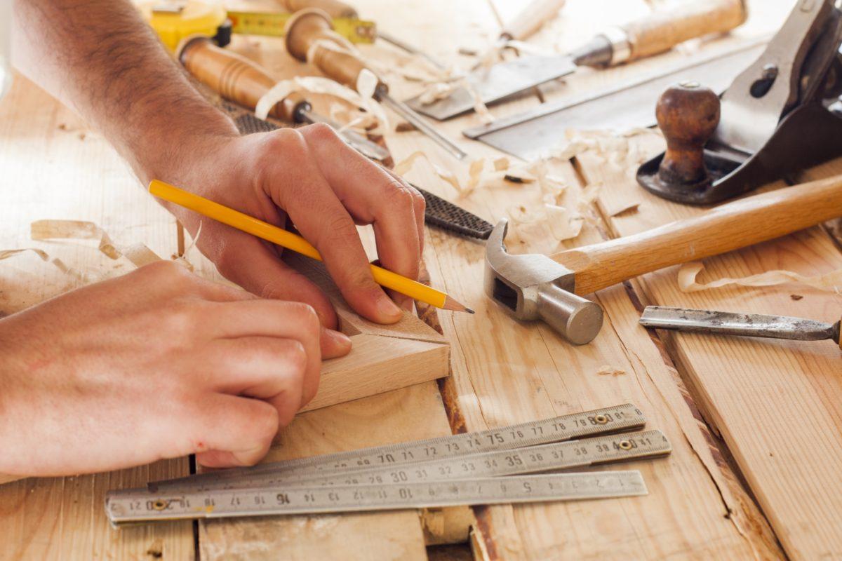 Lựa chọn dịch vụ sửa đồ gỗ tại nhà